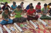 tudents practising bamboo handicraft during the vocational training worksshop